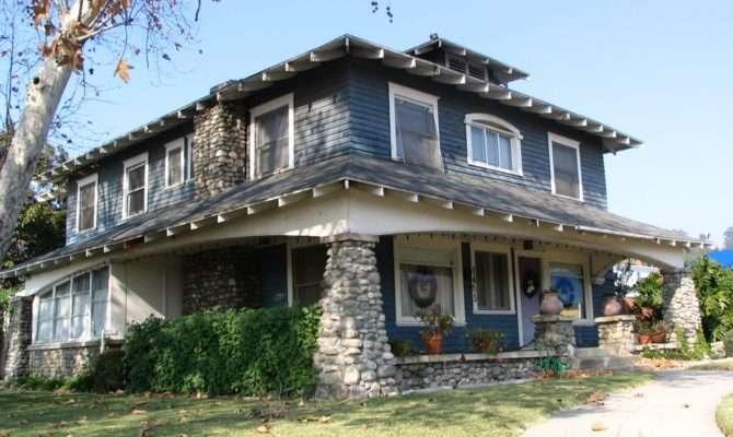American Craftsman House Via Varley