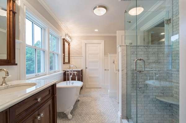 Beautiful Farmhouse Style Bathrooms House Decorators