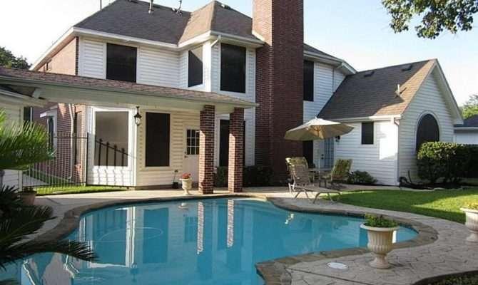 Big Beautiful Mansions Pools