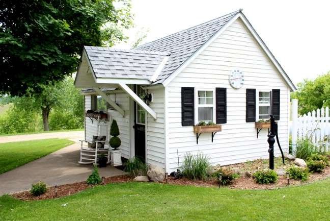 Blogger Remodels Detached Garage Into Stunning Guest House