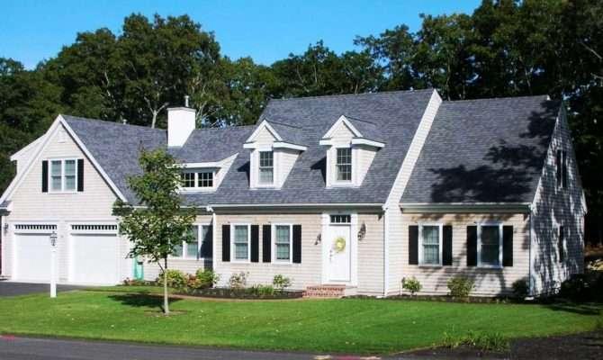 Cape Cod Style House Nisartmacka