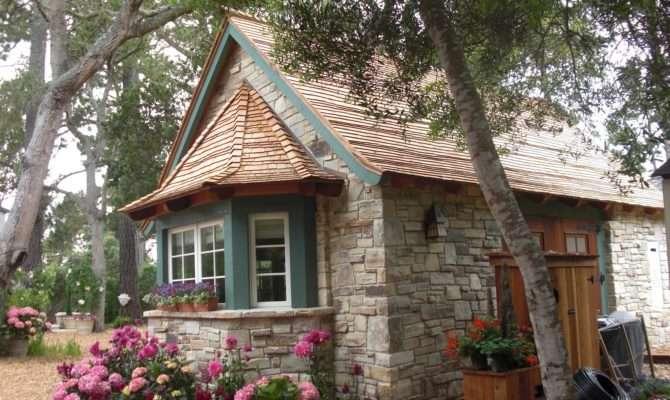 Carmel House Garden Tour Hugh Comstock