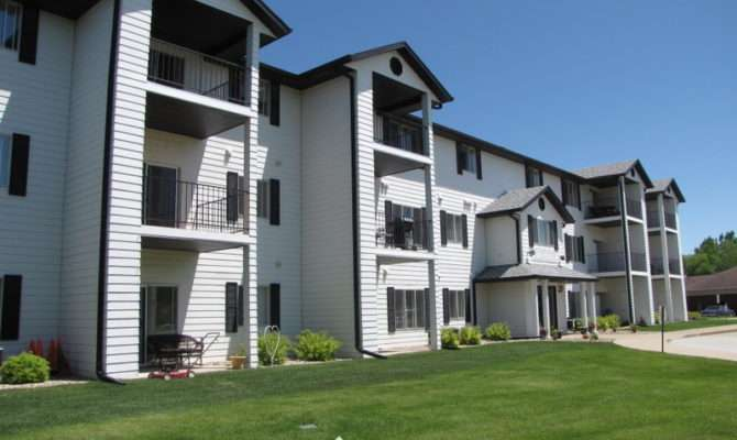 Carriage House Apartments Rent