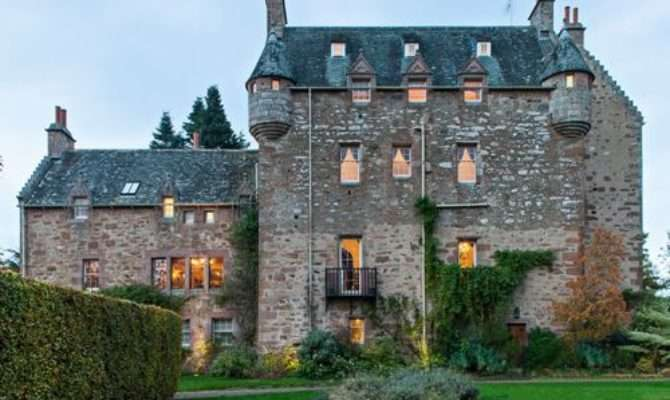 Castle Style Homes Home Design Ideas Remodel