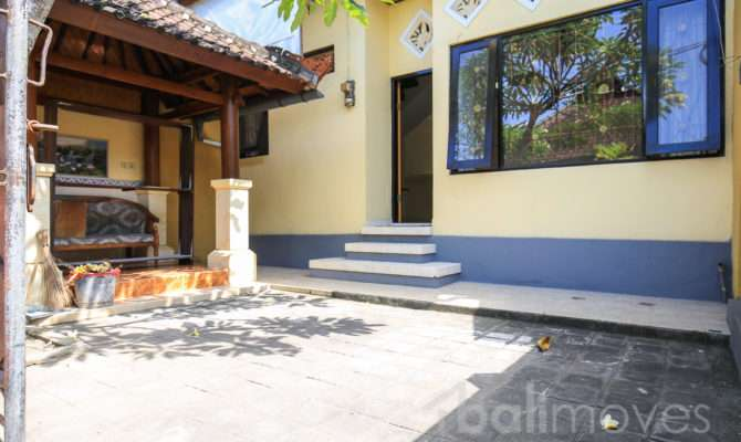 Cheap Two Storey Three Bedroom House Sanur Local