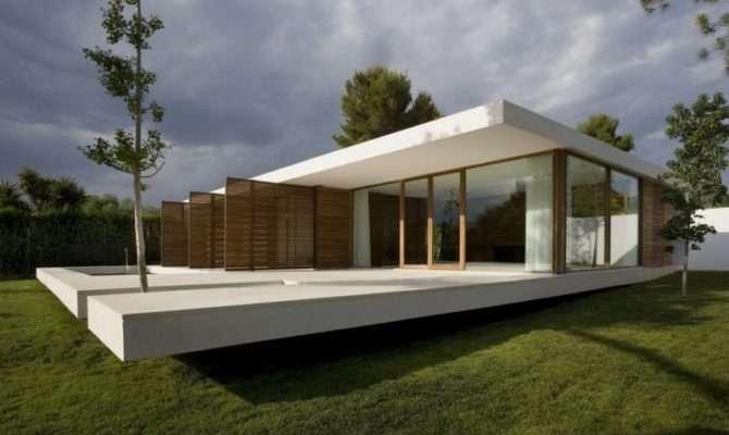 Contemporary House Glass Wall Plane Concrete Srr