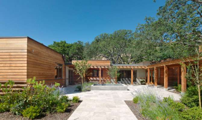 Contemporary Ranch Style House Completed