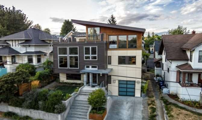 Contemporary Split Level House Views Downtown