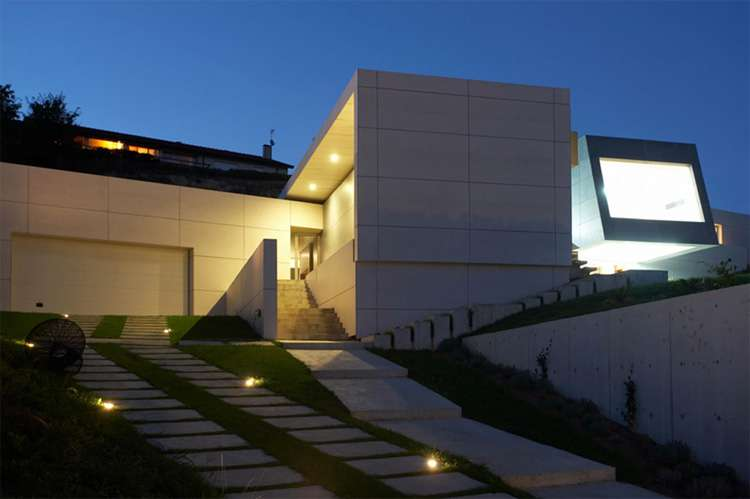Contemporary Style Concrete House Santander Cero