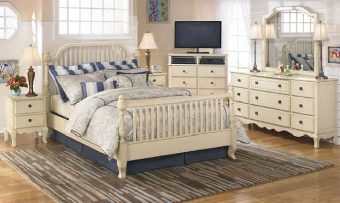 Country Style Bedrooms Decorating Ideas