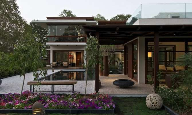 Courtyard House Hiren Patel Architects Architecture Design