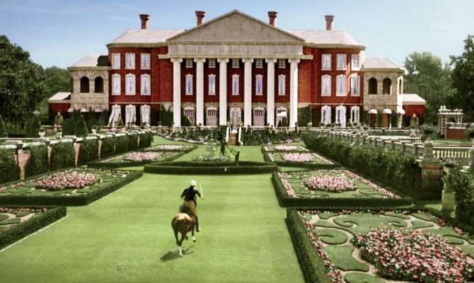 Daisy Home Designed After Old Westbury Gardens