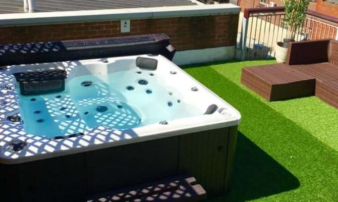 Deansgate Rooftop Hot Tub Manchester Booking