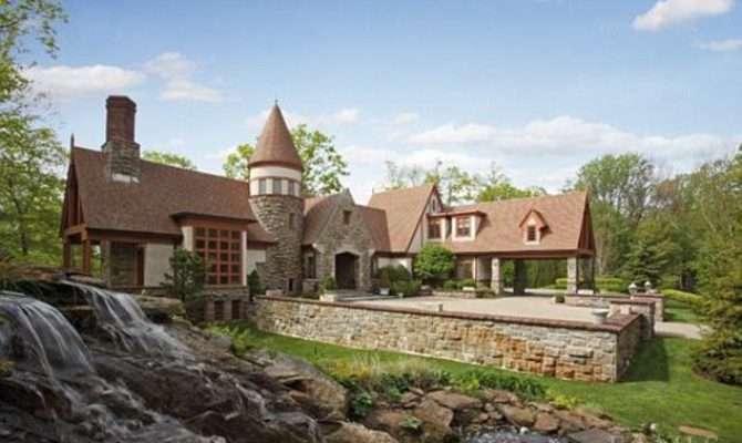 Dreamlike Castle Like Contemporary Homes