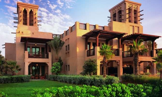 Dubai Arabian House Front Elevation Design