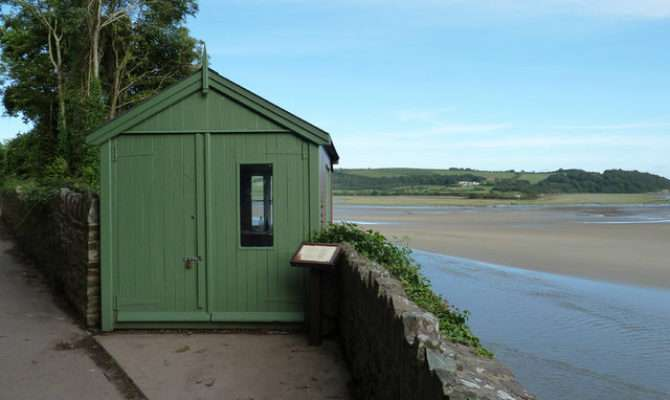 Dylan Thomas Writing Shed Roy Parkhouse Geograph