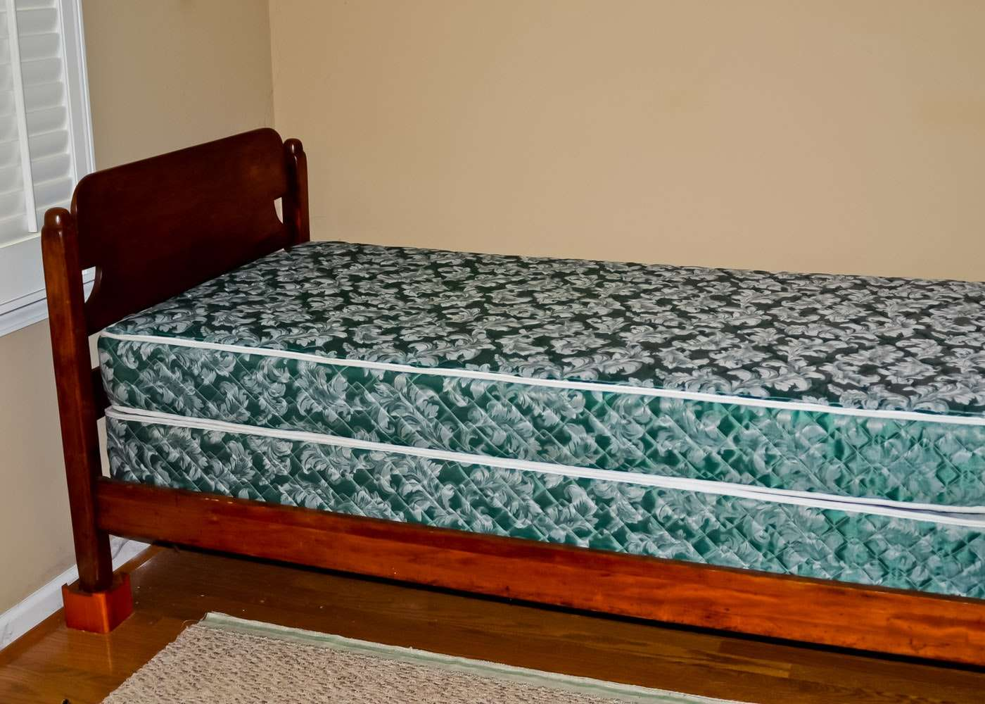 Early American Style Twin Bed Ebth