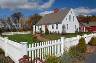 Early New England Colonial Style Home Beautiful Homes Pinterest