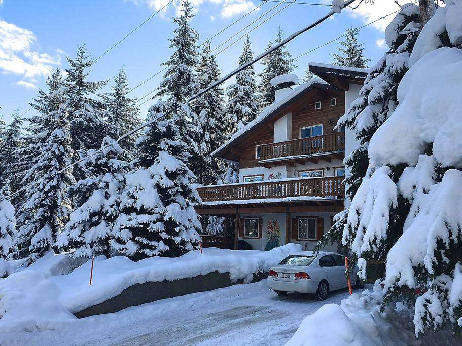 Elegant European Chalet Houses Rent Whistler