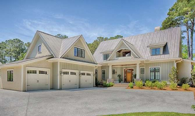 Eplans Low Country House Plan Sprawling Design