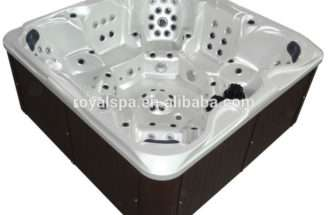 European Outdoor Whirlpool Bath Hot Tub Used Person