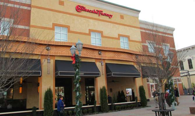 European Stucco Cheesecake Factory Mall Buford