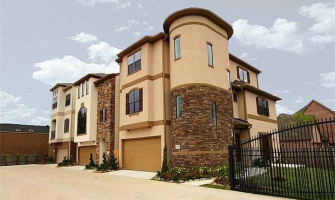 European Stucco Townhomes Woodstock
