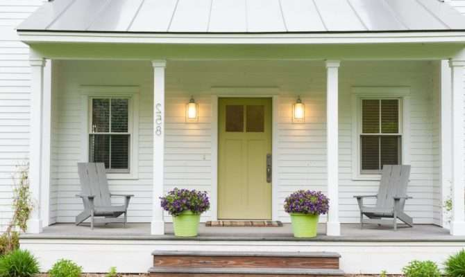 Extraordinary Front Porch Designs Farmhouse White