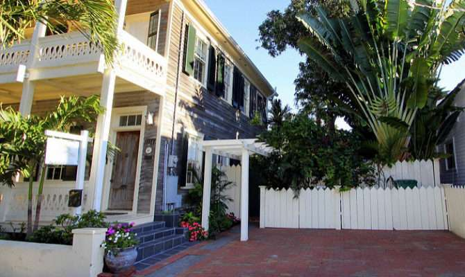 Fleming Street Grand Conch House Key West