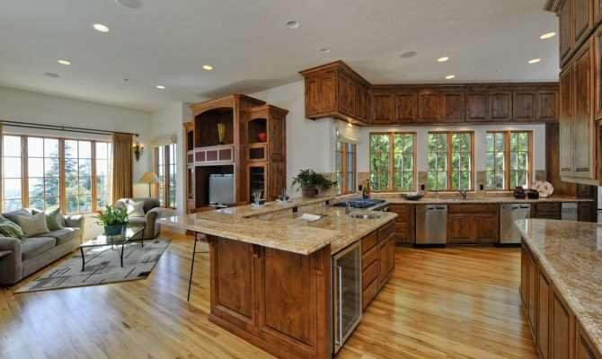 Floor Open Plan Between Kitchen Dining Area