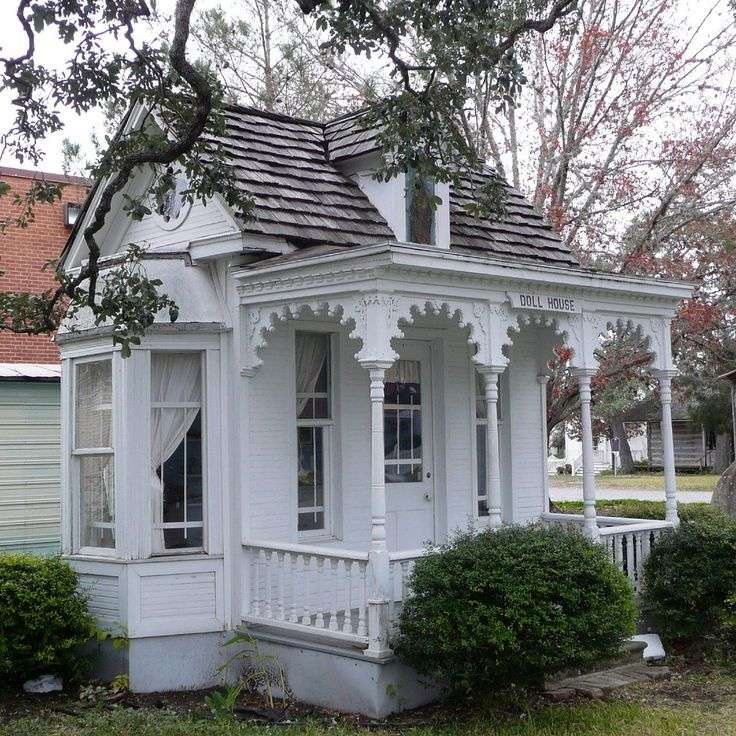 Folk Victorian Cottage House Plans