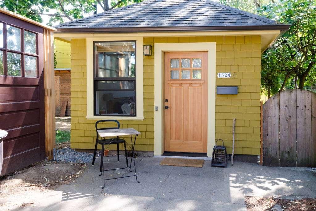 Garage Tiny House Swoon