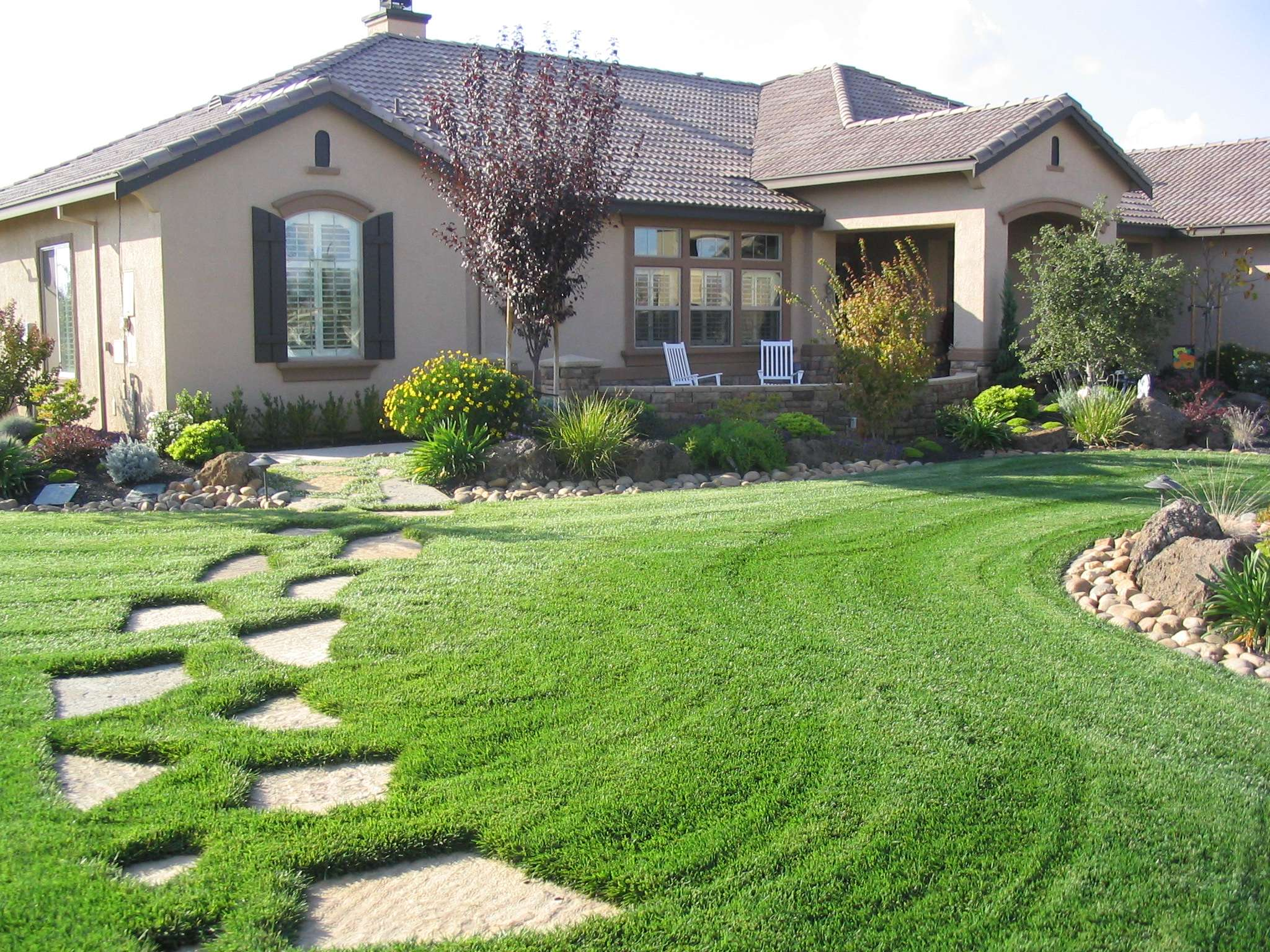 Green Landscape Ideas Ranch Style Homes Exterior Area