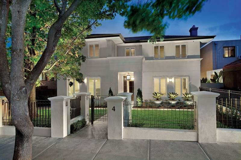 Hawthorn Residence Down Under Showcases Traditional