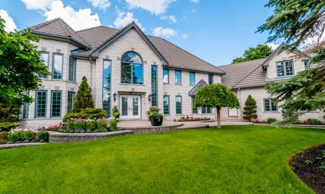 Houses Sale Vaughan Real Estate Experts
