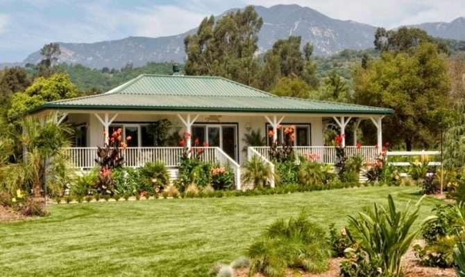 Idea Unique Tropical Style House Design