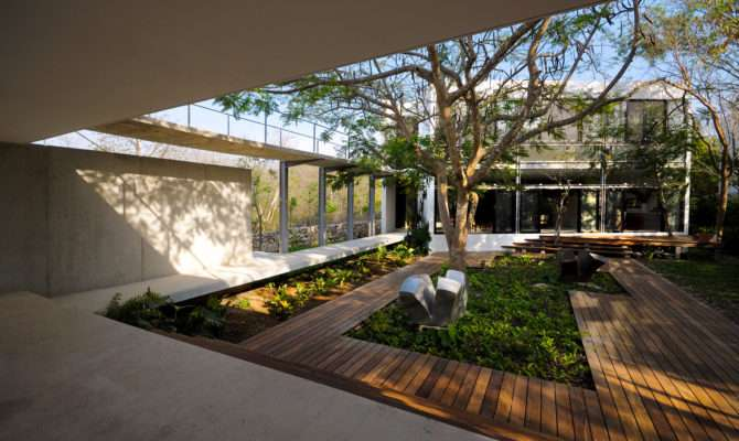Interior Courtyard House Design Middle Plans