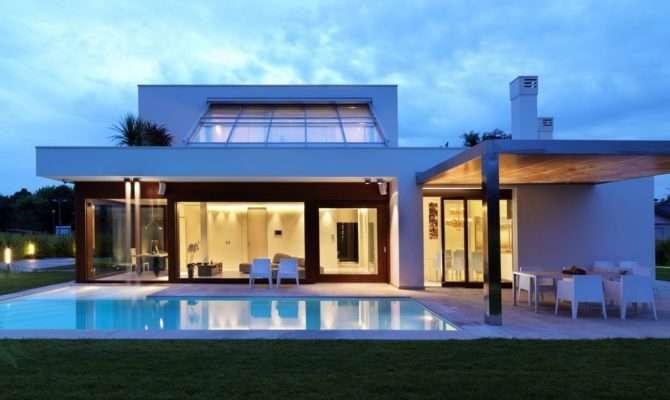 Keys Build Modern Eco Friendly House Plans