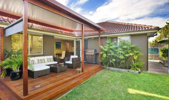 Landscaped Garden Design Using Grass Deck Outdoor