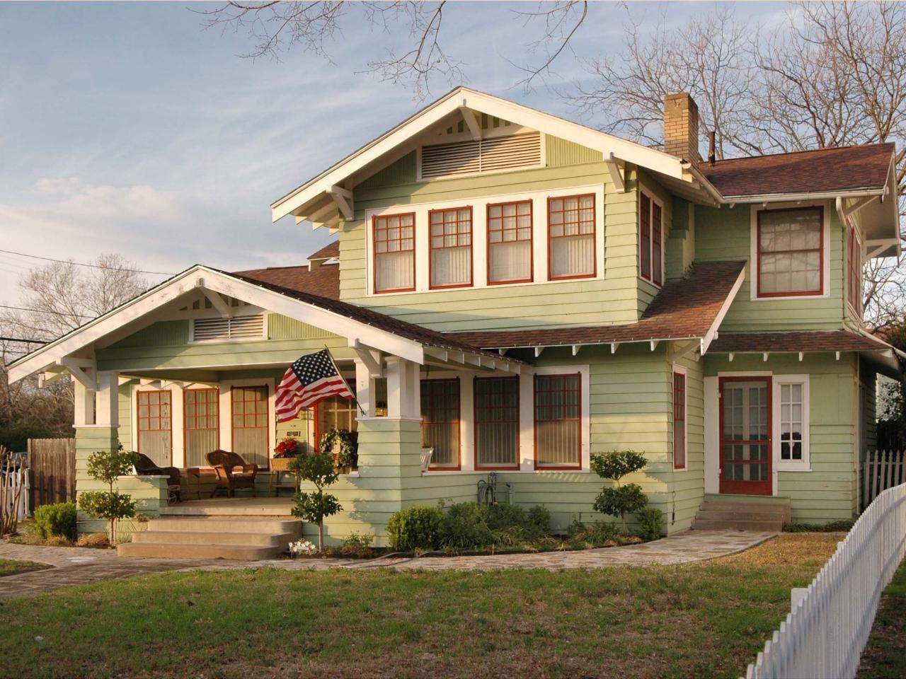 Light Green Craftsman Home Arts Crafts Homes Became Popular