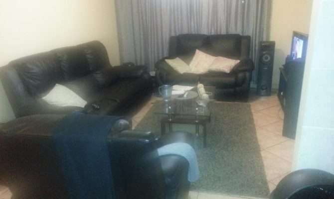 Looking Housemate Share Bedroom House Kibler Park Olx