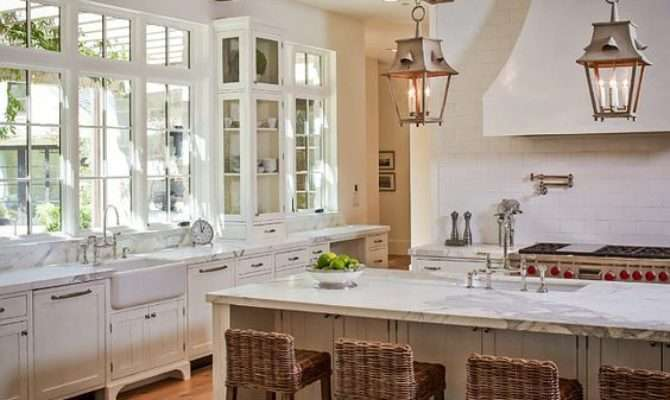 Lovely French Farmhouse Kitchens Decorating Ideas