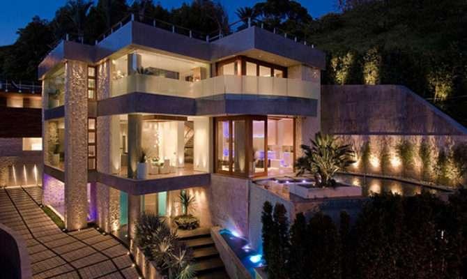 Luminous Luxurious Bachelor Pad California