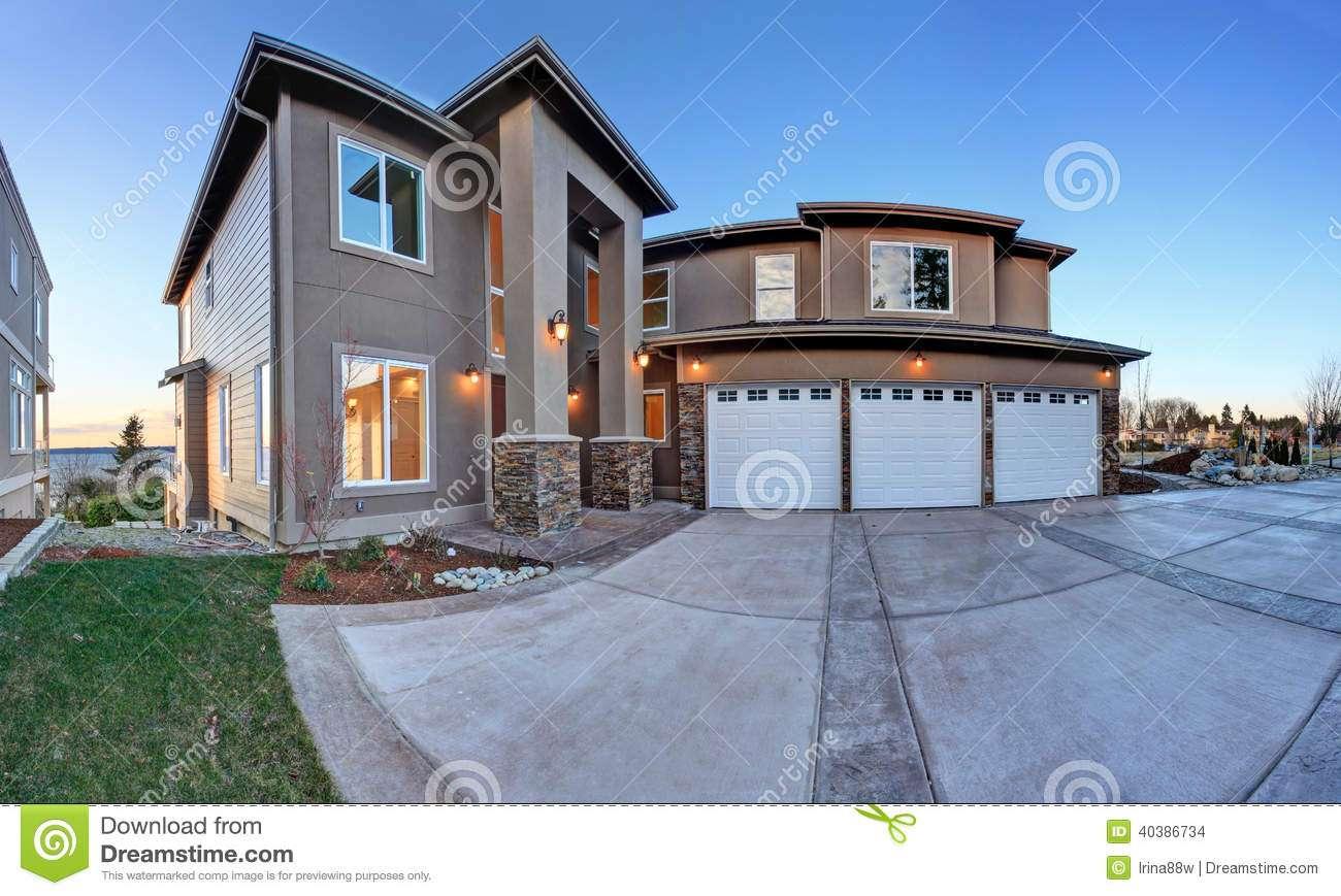Luxury Big House High Column Porch