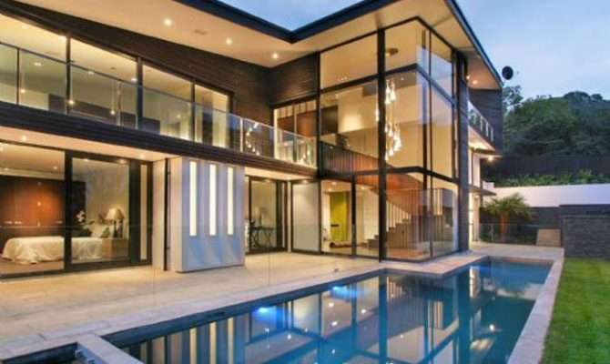 Luxury Glass House Designs
