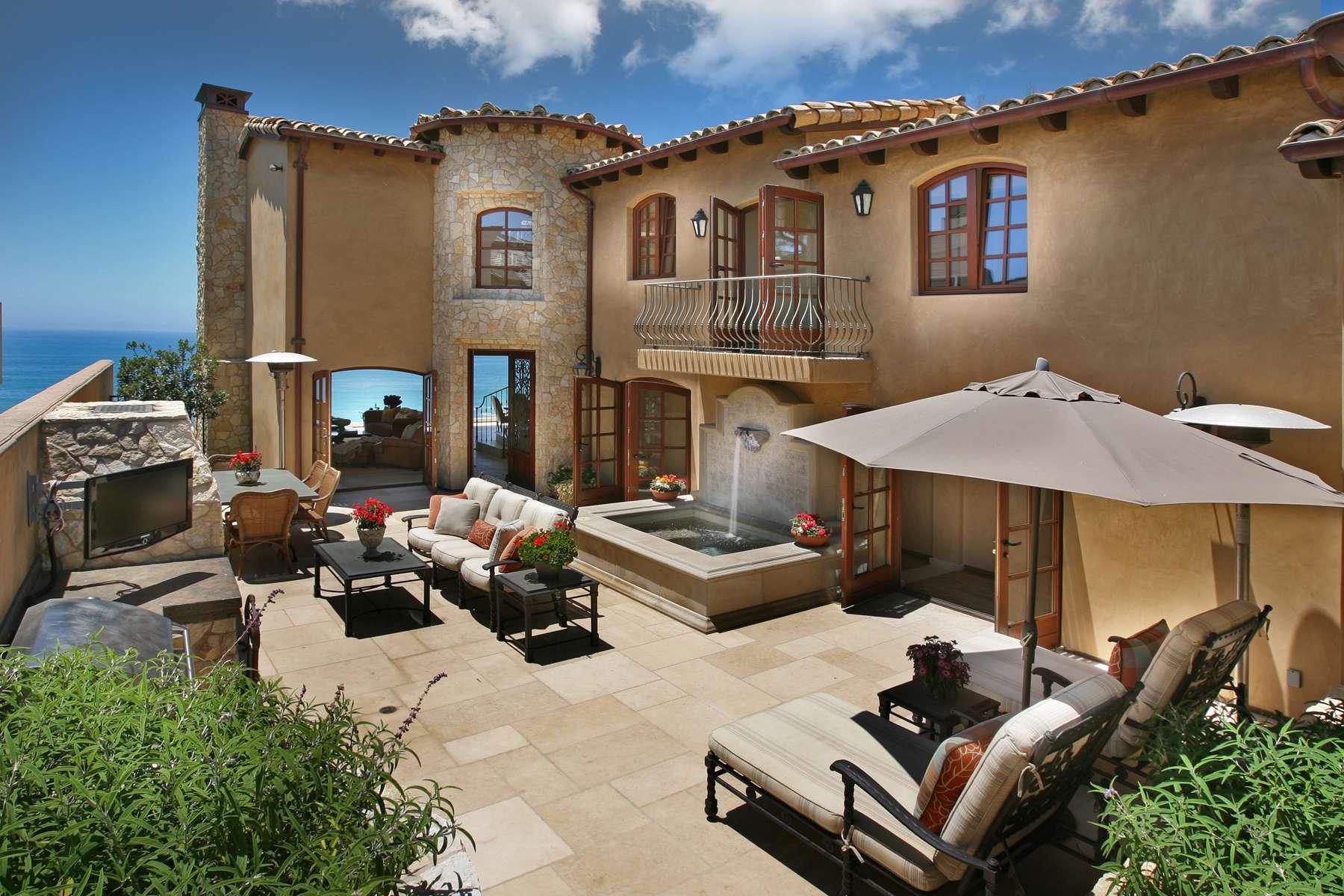 Luxury Home Enjoys Breathtaking Views Catalina Island