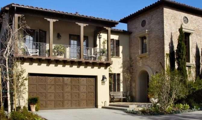 Mediterranean Style House Driveway Arched Doorway Tile