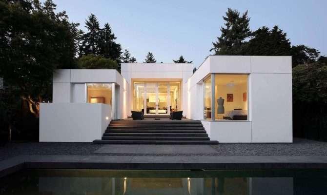 Mid Century Modern Home Showcases Brilliant Indoor Outdoor