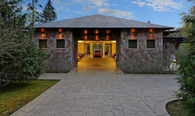 Million Dollar Home Car Garage