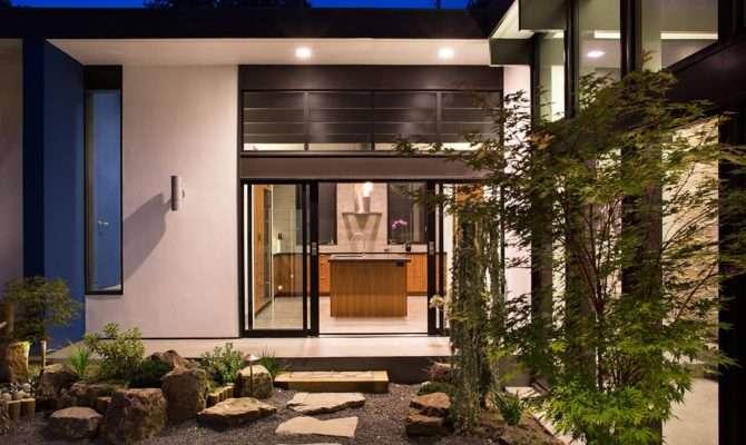 Modern Atrium House Klopf Architecture